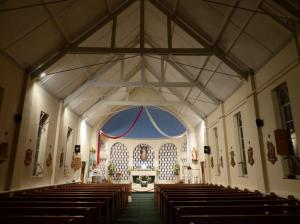 sacred-heart-morriston-inside-church