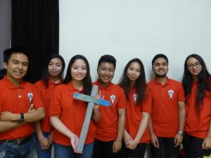 sacred-heart-morriston-youth-volunteers-with-lampedusa-cross-end-of-yr-of-mercy